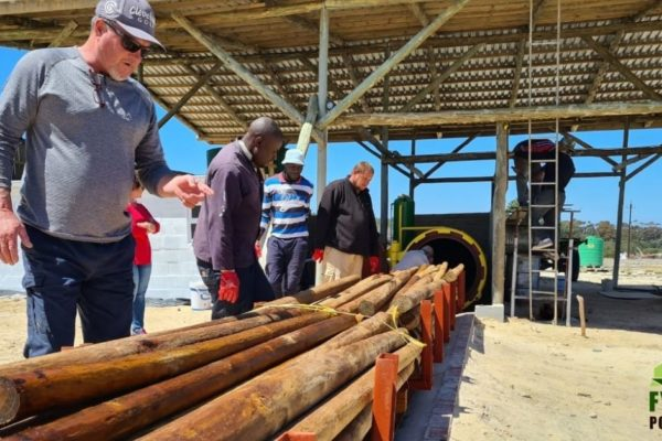 MEET FAMILY BUSINESS FYNBOS POLES – ENVIRONMENTAL ENTREPRENEURS